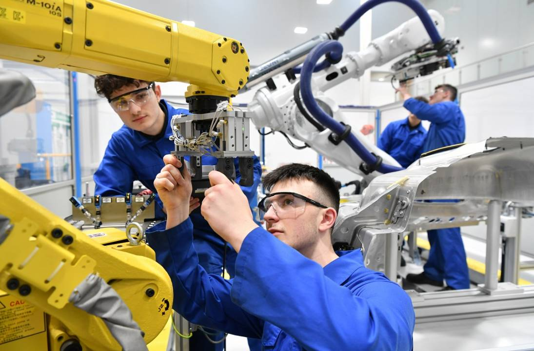 Make UK leading the way with robotics and automation course